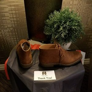 """KingsTrend Shoes - HOST PICK!! NWT Men's """"Chukka"""" Suede Shoes"""